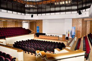 the-lecture-theatre-of-the-congress-centre-of-transilvania-university-of-brasov